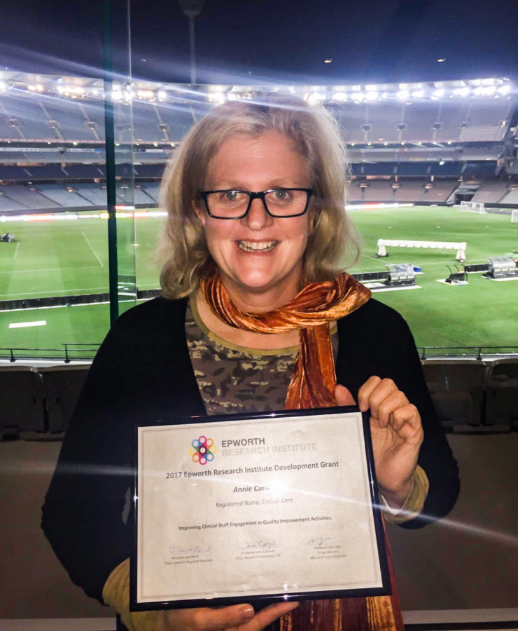 Annie Curtin receives a grant from the Epworth Research Institute